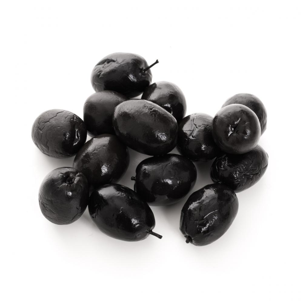 Imagen en la que se ven olivas negras