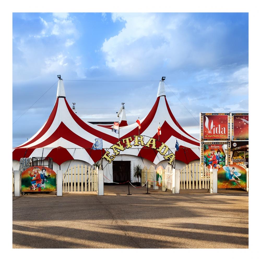 Imagen en la que se ve un circo