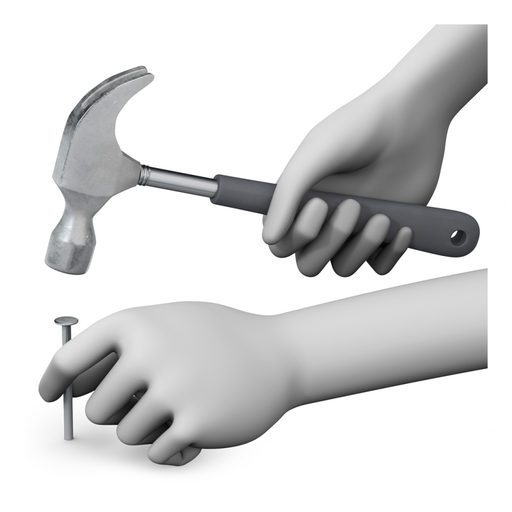 Imagen en la que dos manos están clavando un clavo con un martillo