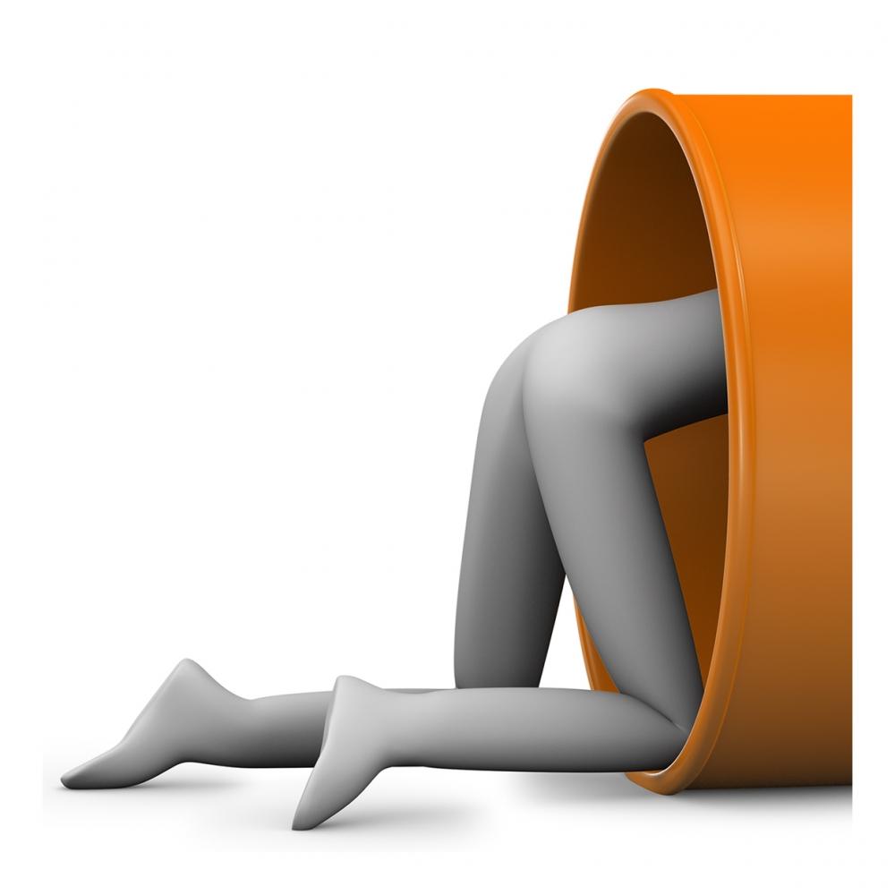 Imagen en la que se ve a una persona entrando en un túnel