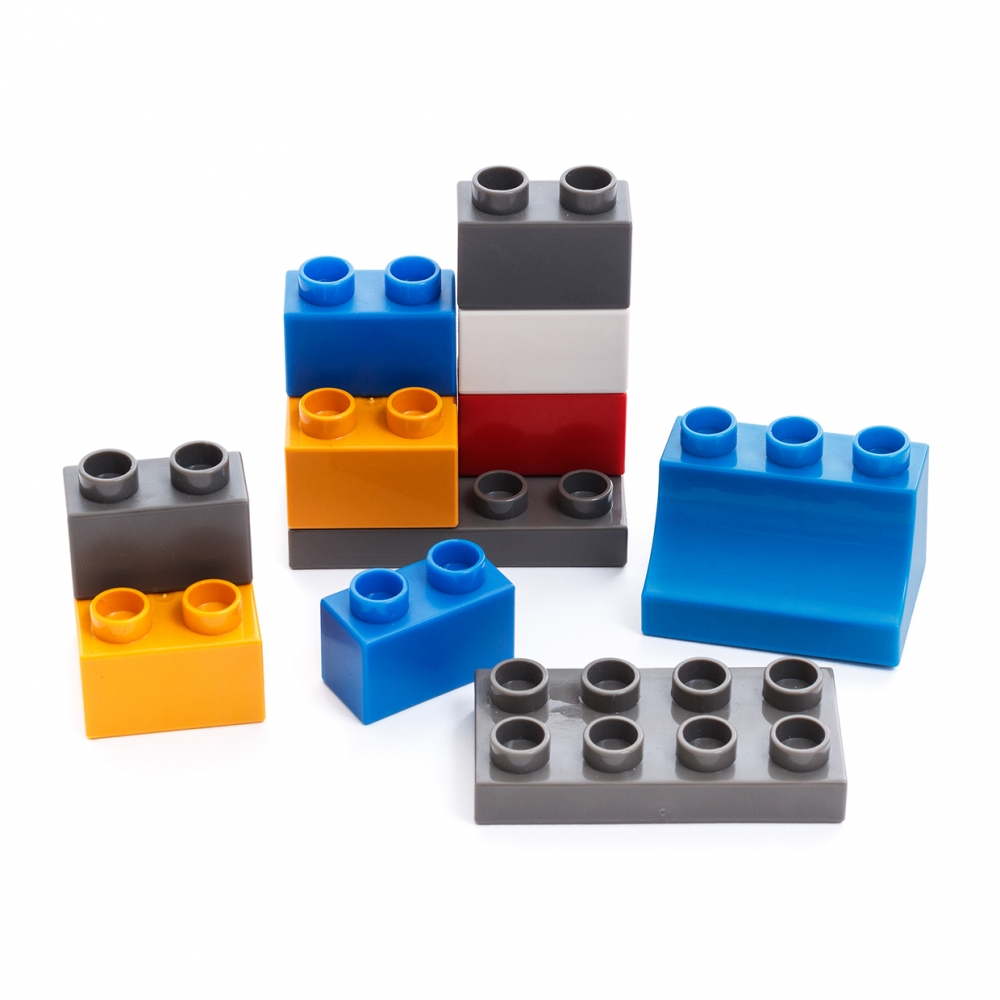 Imagen en la que se ven bloques de construcción de diferentes colores