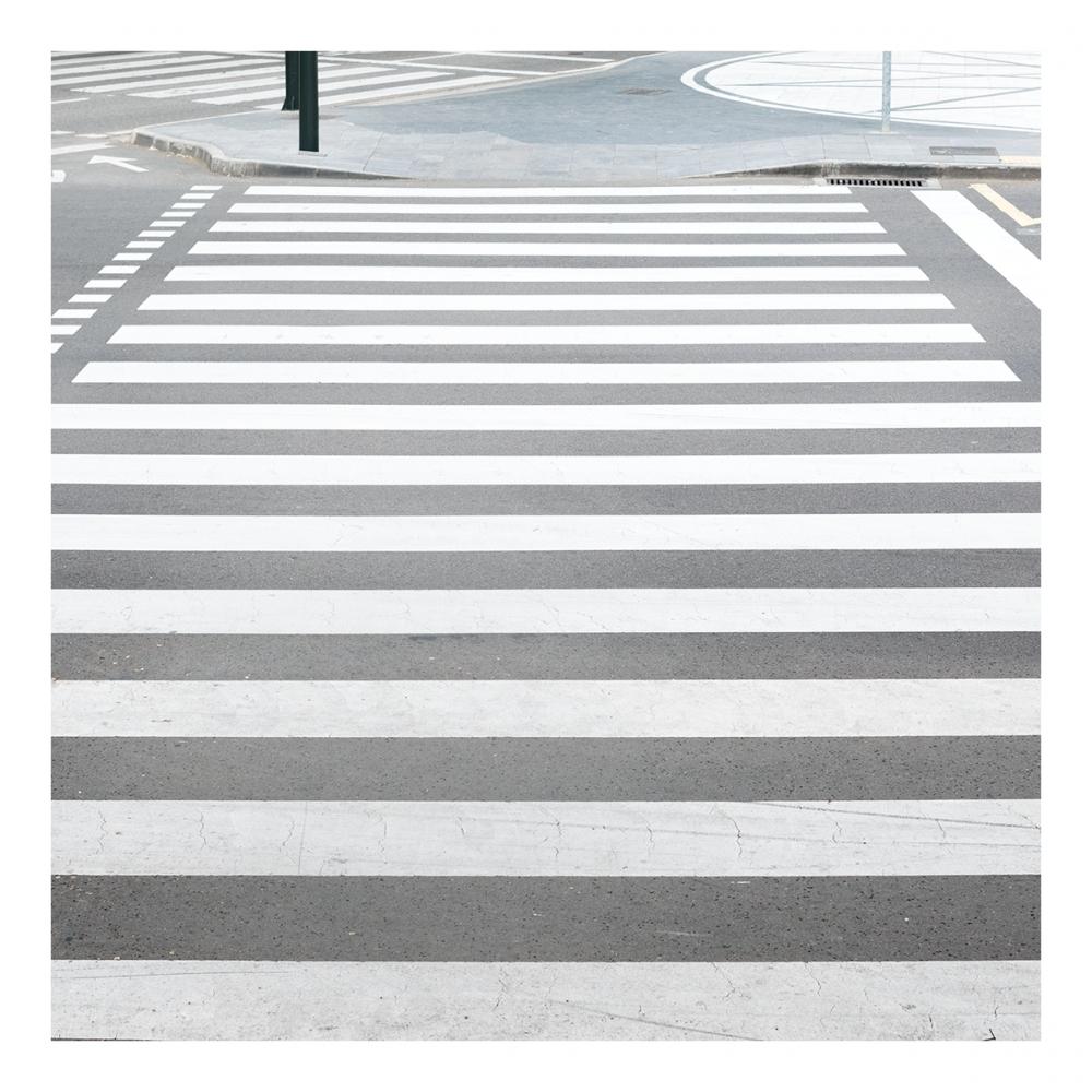 Imagen en la que se ve un paso de peatones