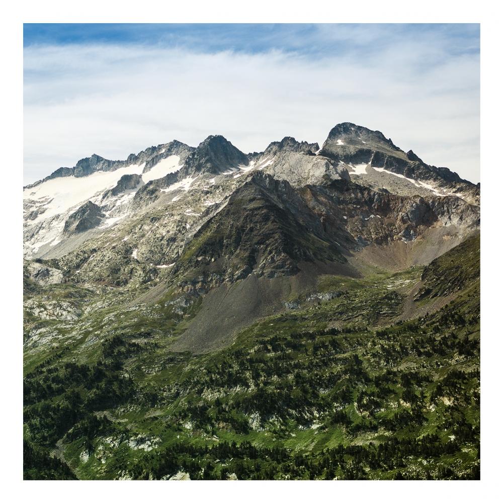 Imagen en la que se ve una montaña