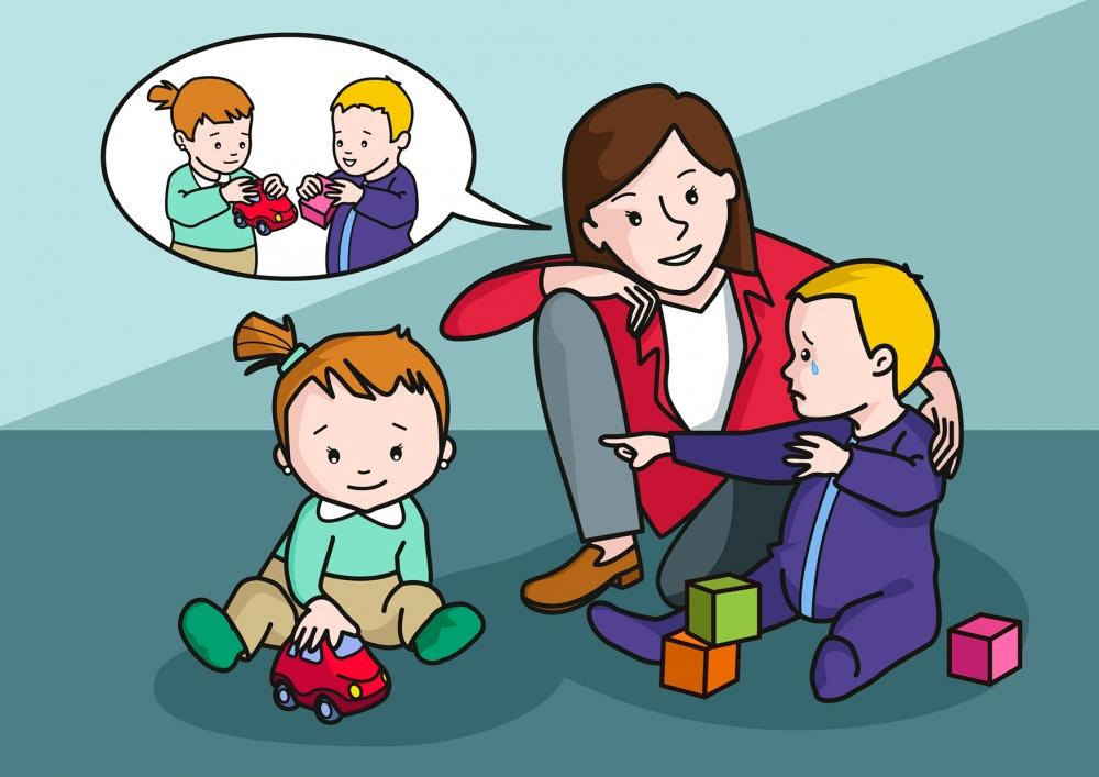 La niña le quita el juguete al niño