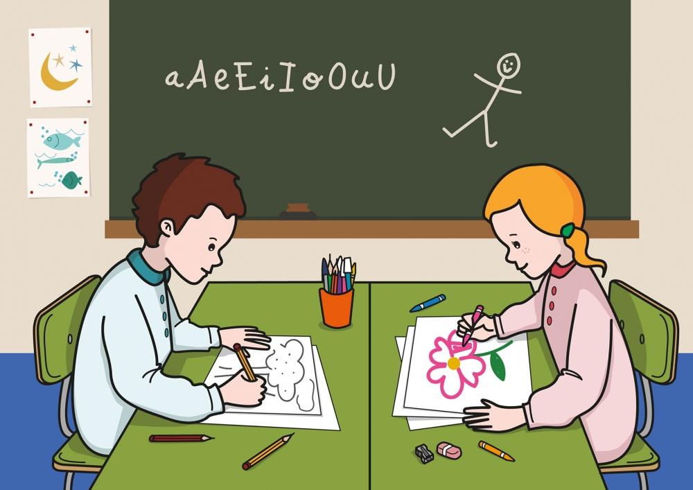 El niño dibuja un árbol y la niña pinta una flor