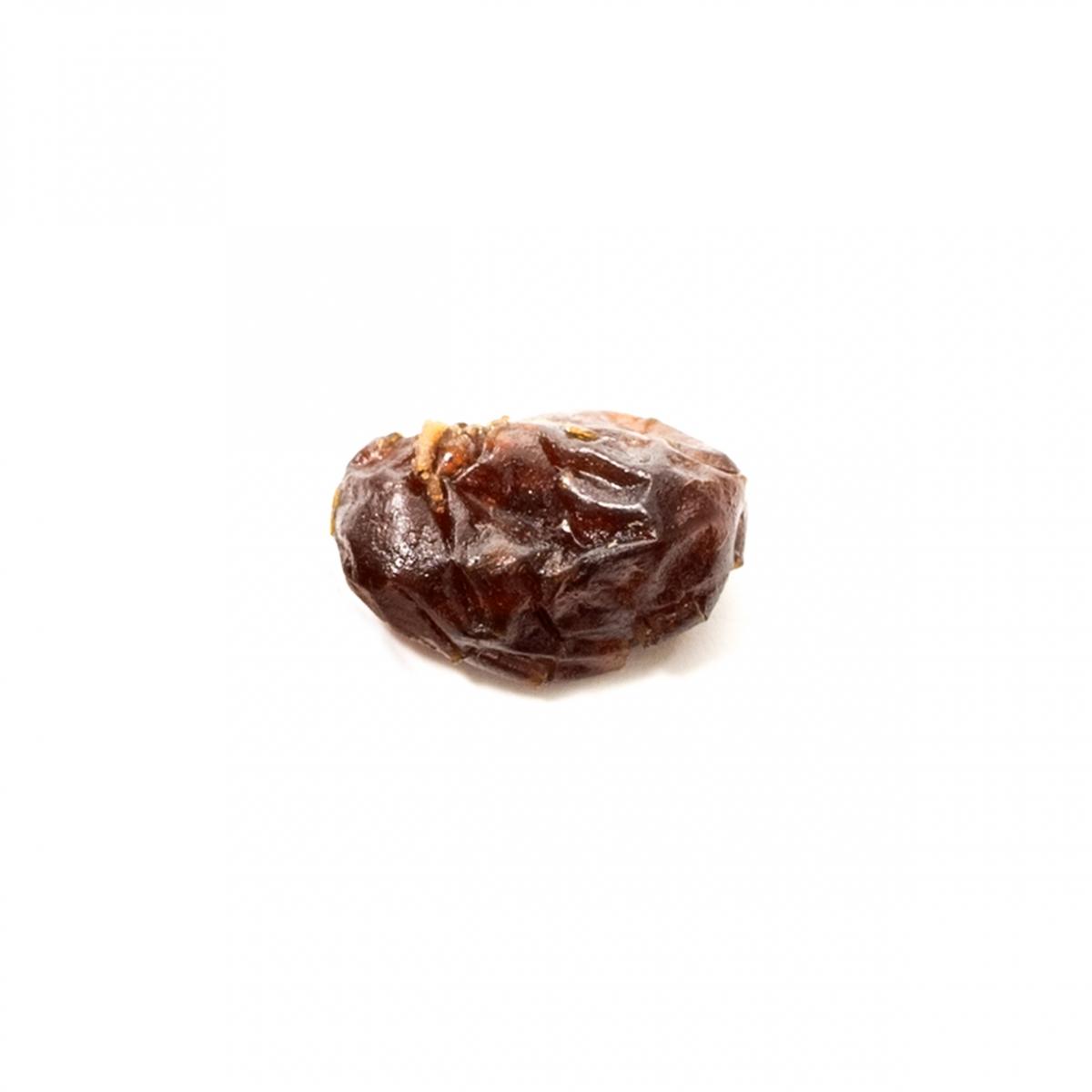 Imagen en la que se ve una uva pasa
