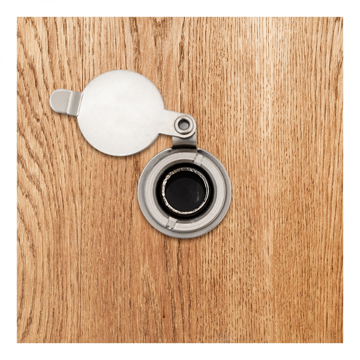 Imagen en la que se ve la mirilla de una puerta