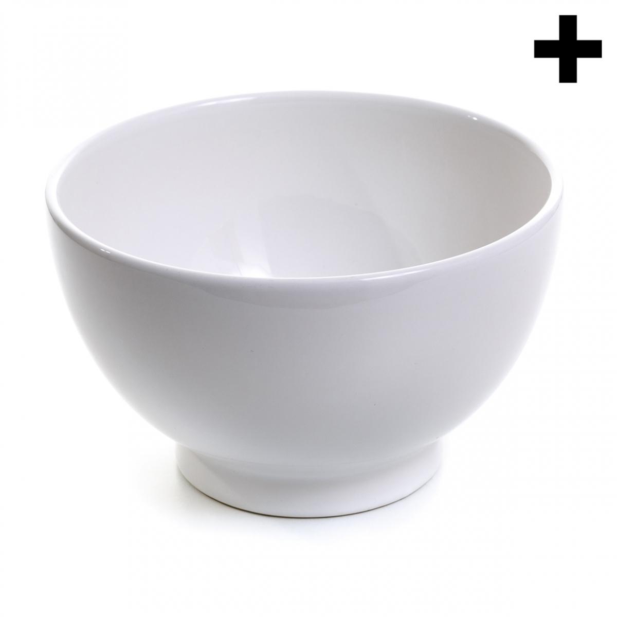 Imagen en la que se ve un bol de cerámica blanca en perspectiva lateral
