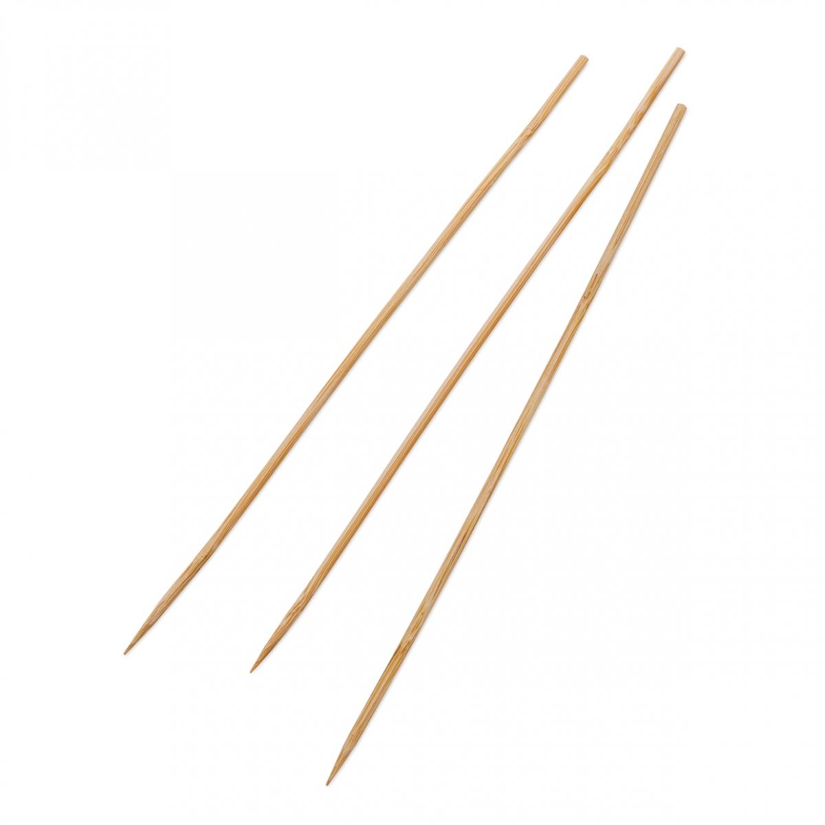 Imagen en la que se ven varios palillos de brochetas