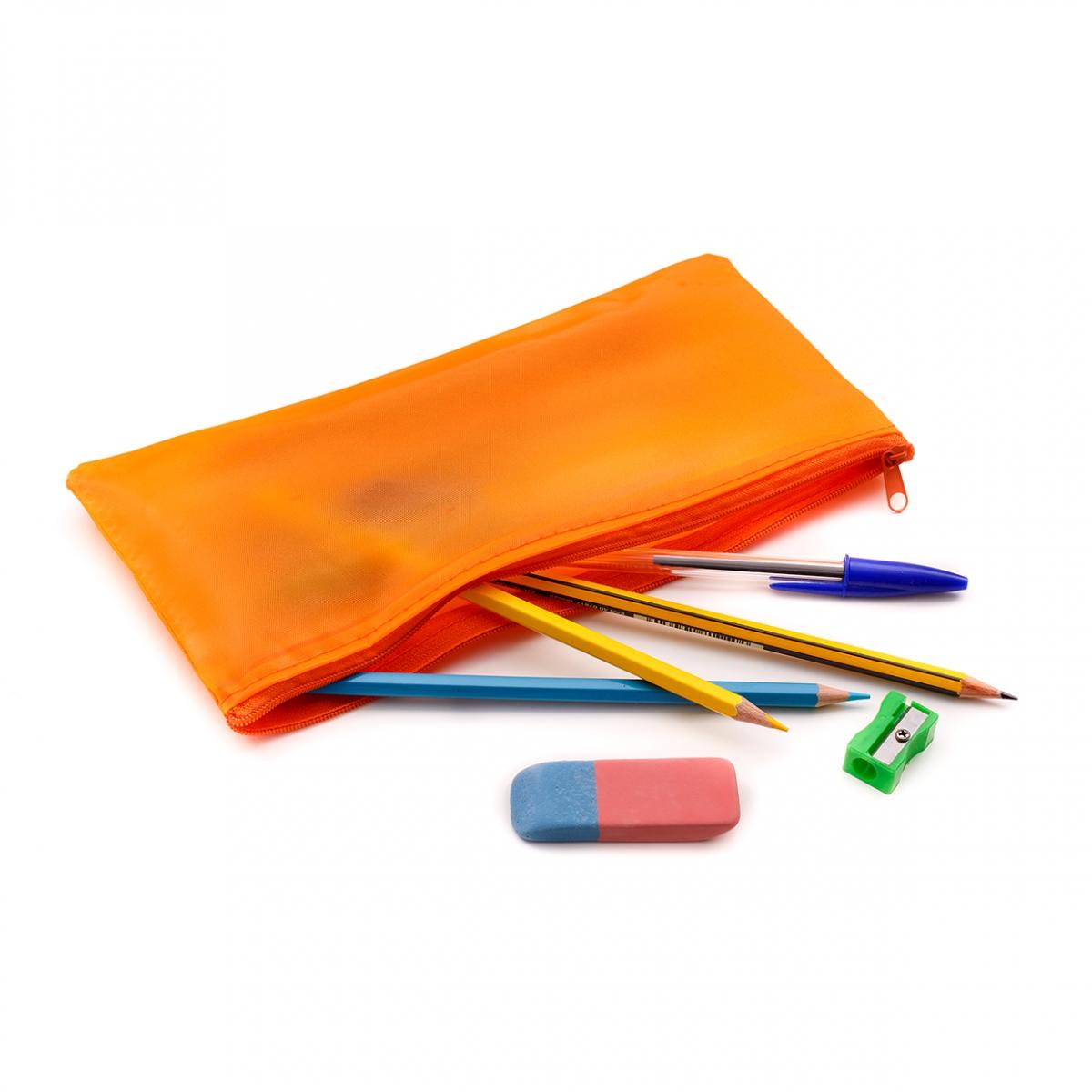 Imagen en la que aparece un estuche abierto con varias herramientas de escritura y dibujo
