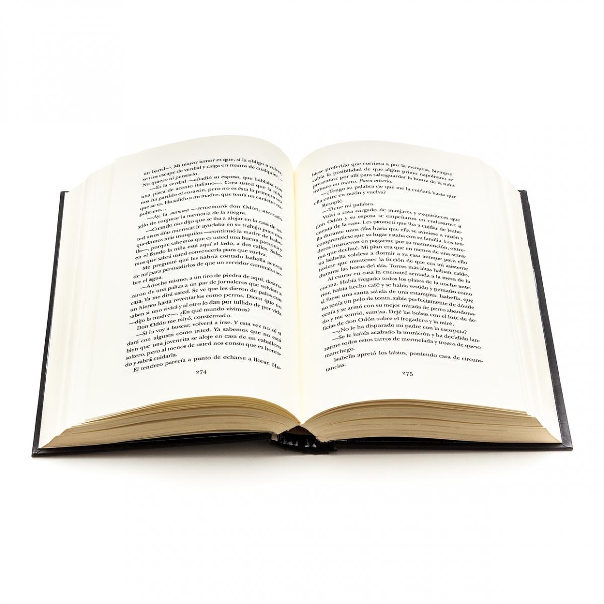 Imagen en la que se ve un libro abierto por dos de sus páginas