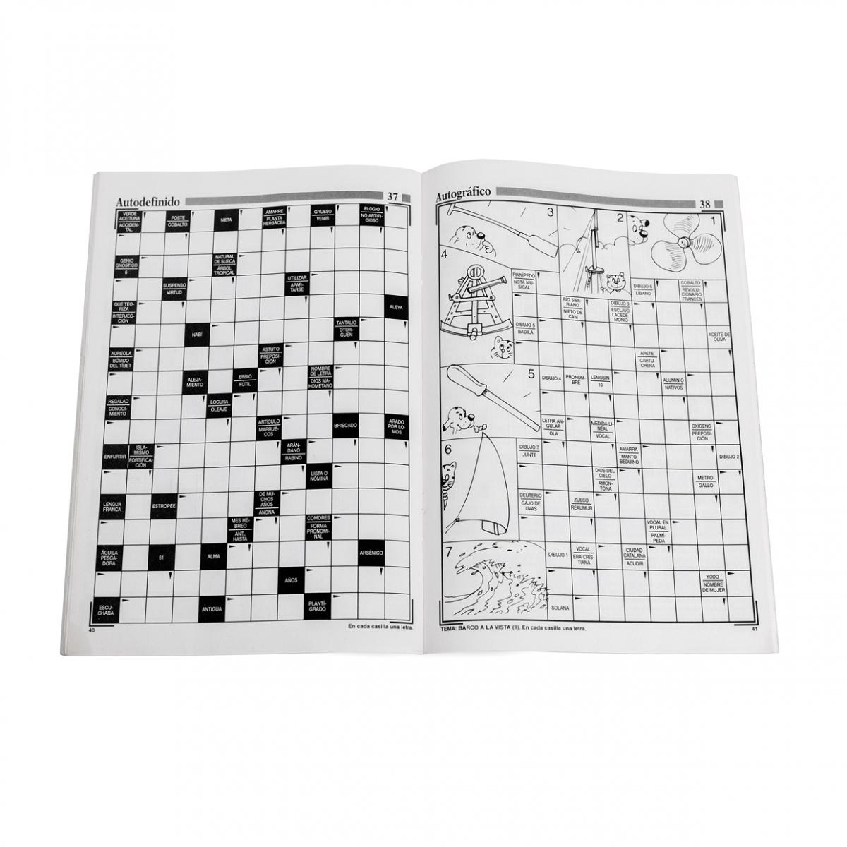 Imagen en la que se ve una revista de crucigramas