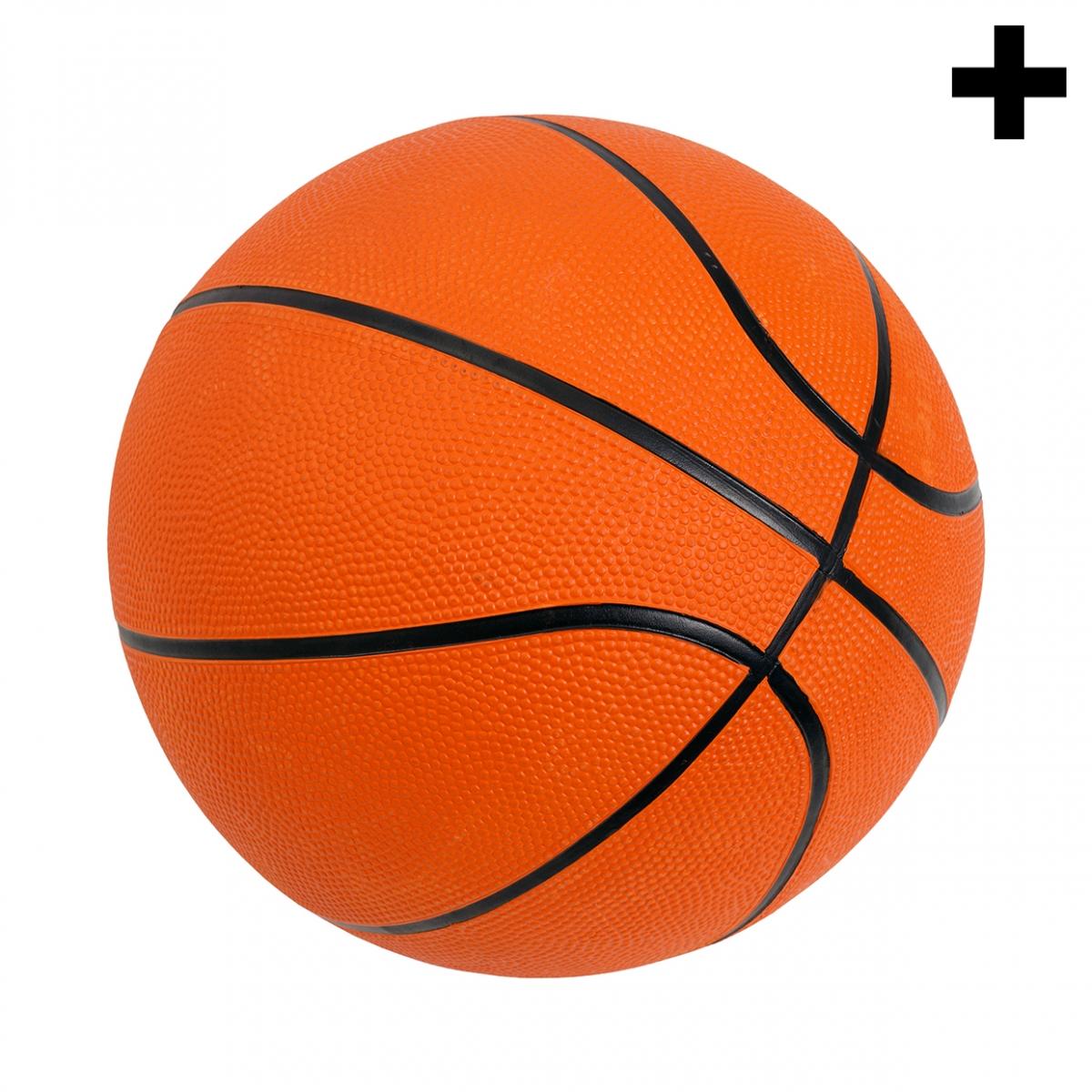 Imagen en la que se ve el plural del concepto pelota de baloncesto