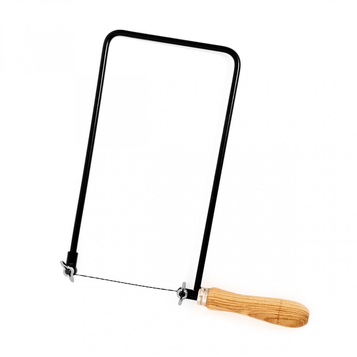 Imagen en la que se ve una sierra de marquetería
