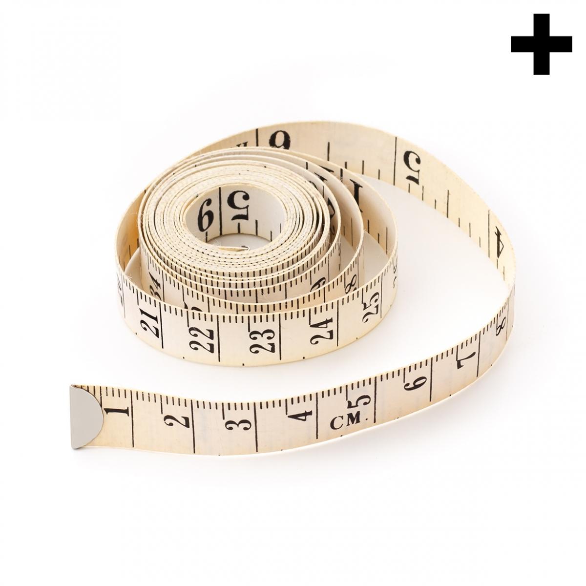 Imagen en la que se ve el plural del concepto metro de modista