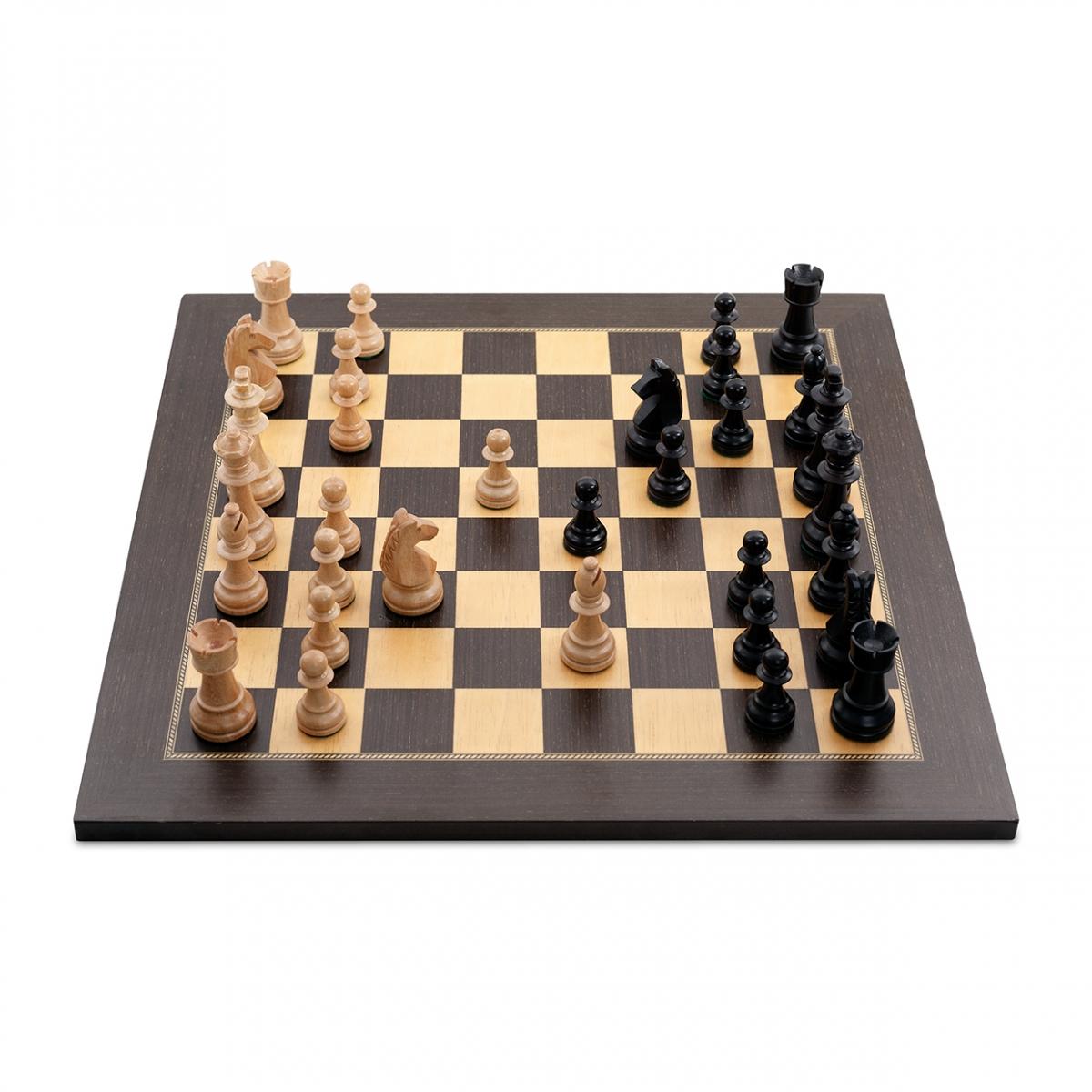 Imagen en la que sale el juego del ajedrez