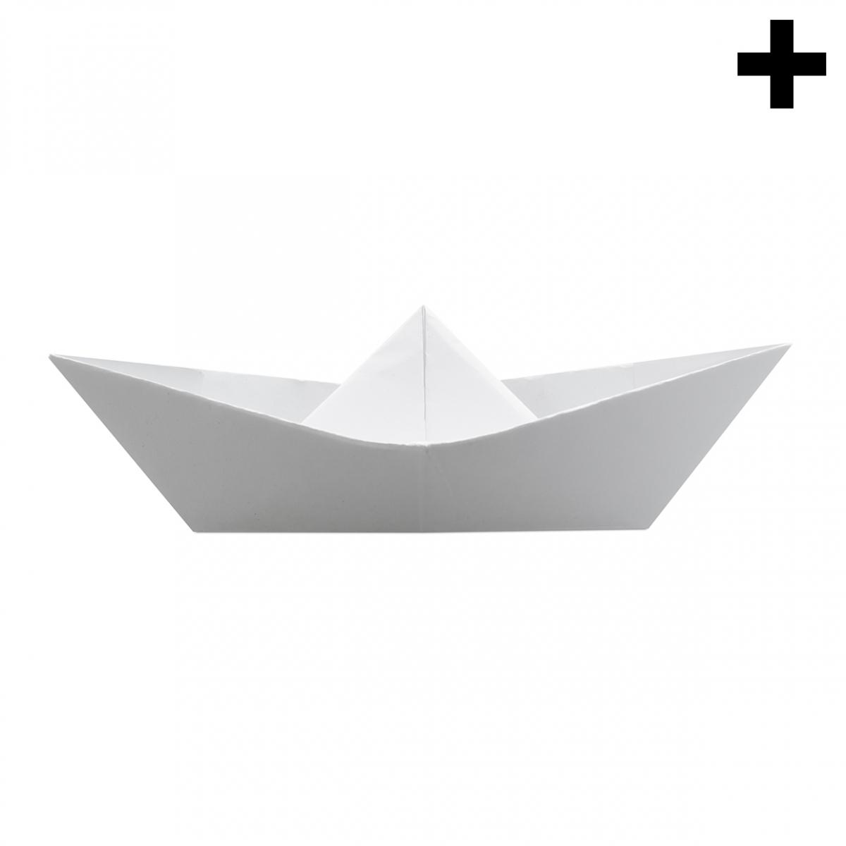 Imagen en la que se ve el plural del concepto barco de papel