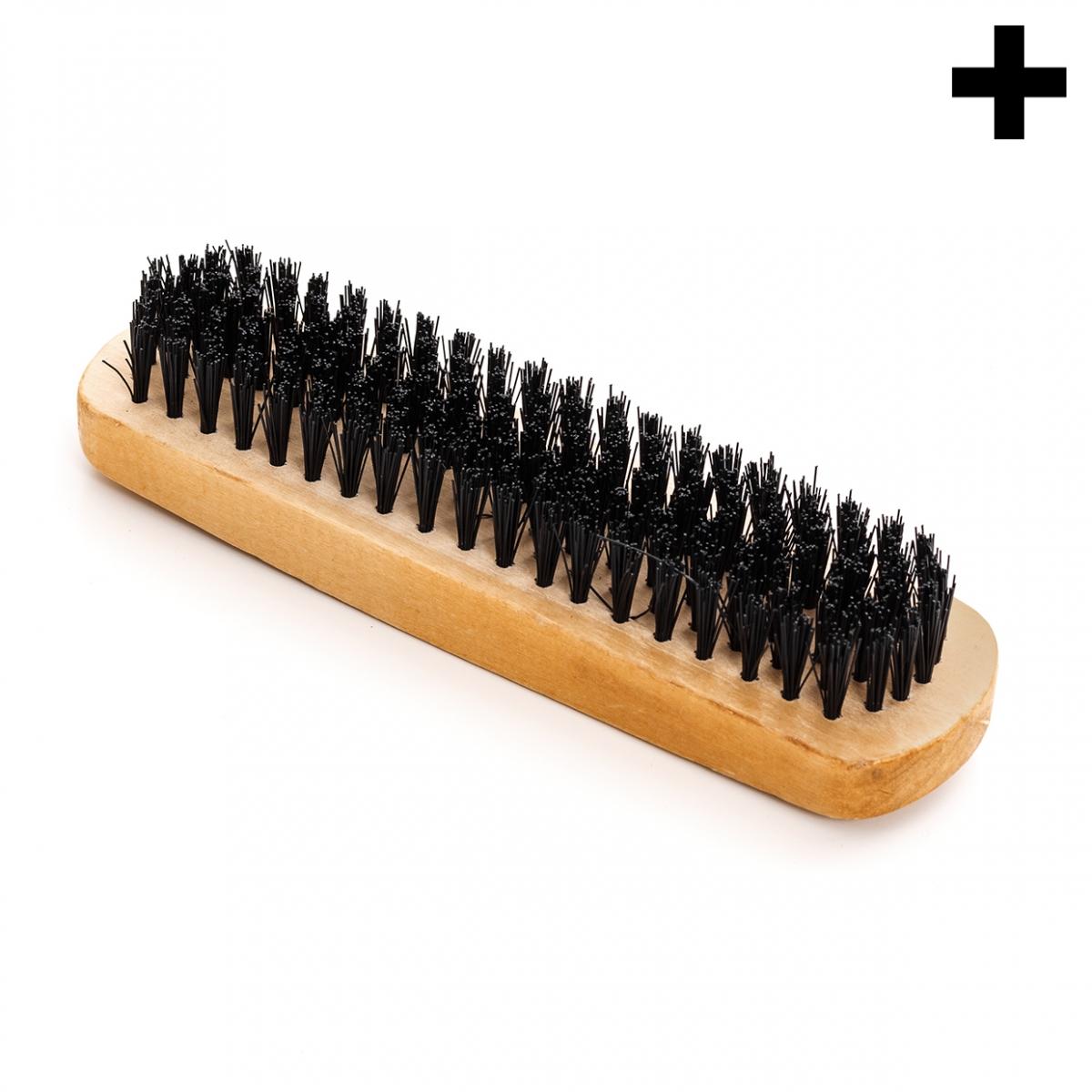 Imagen en la que se ve el plural del concepto cepillo de limpieza