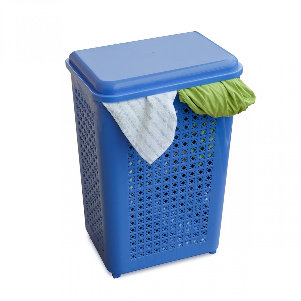 Imagen en la que se ve el cubo de la ropa sucia