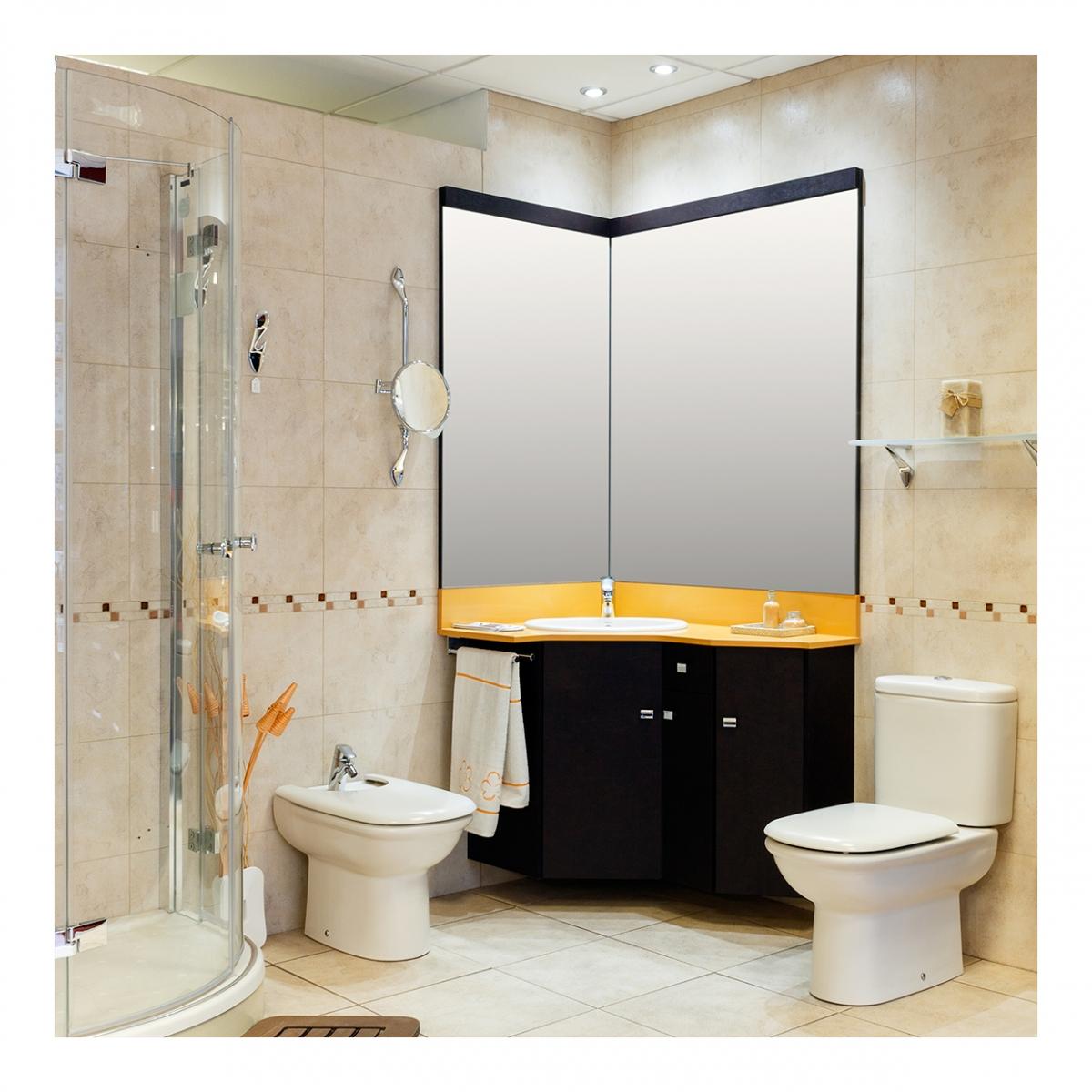 Imagen en la que se ve un cuarto de baño con ducha