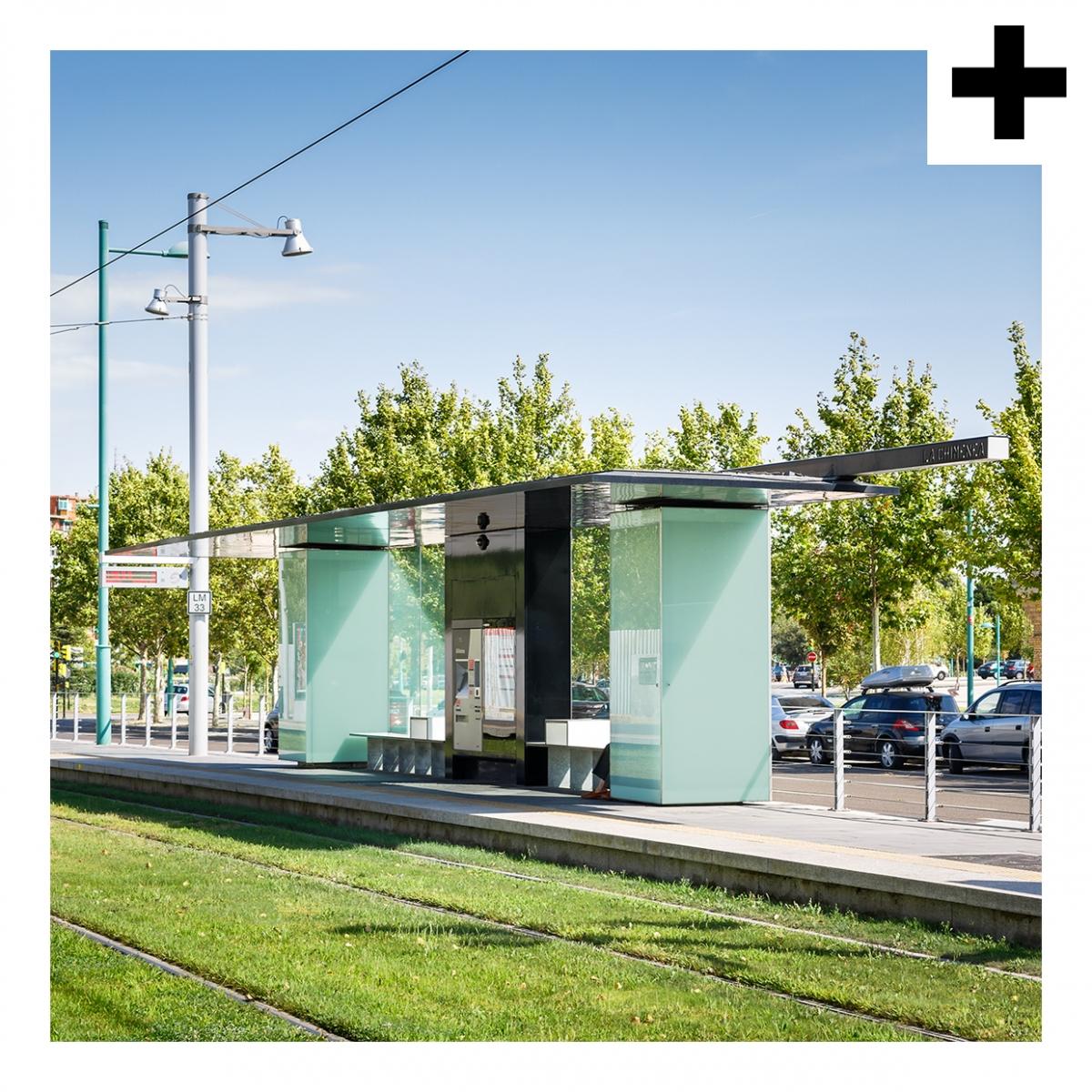 Imagen en la que se ve el plural del concepto parada de tranvía