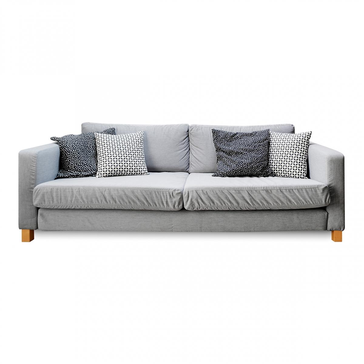 Imagen en la que se ve un sofá