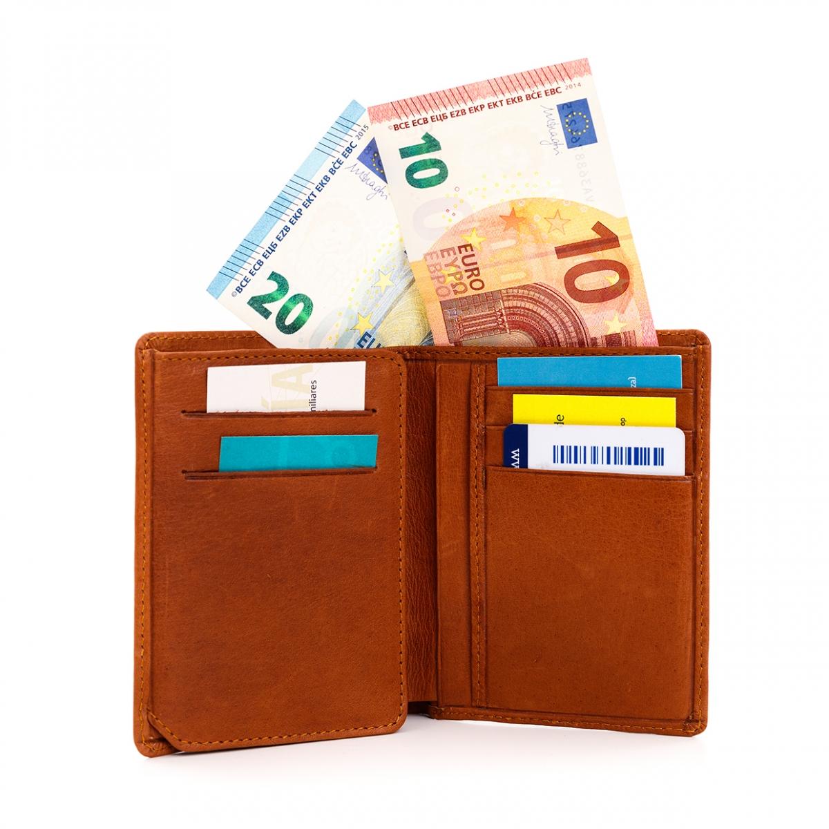 Imagen en la que se ve una cartera de bolsillo