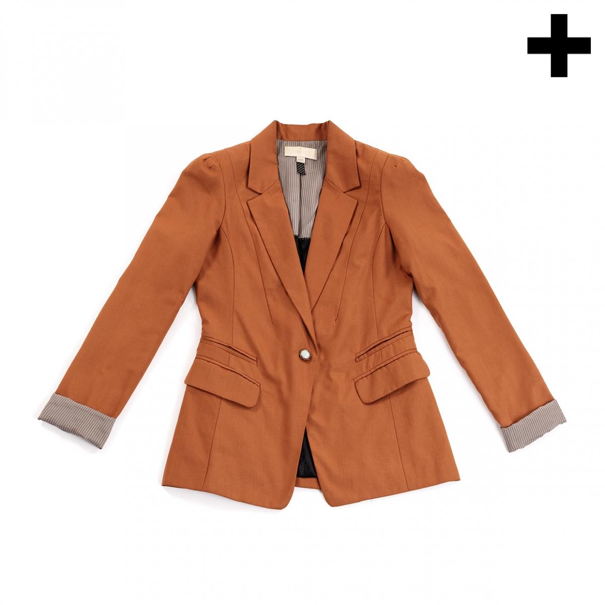 Imagen en la que se ve el plural del concepto chaqueta americana de mujer