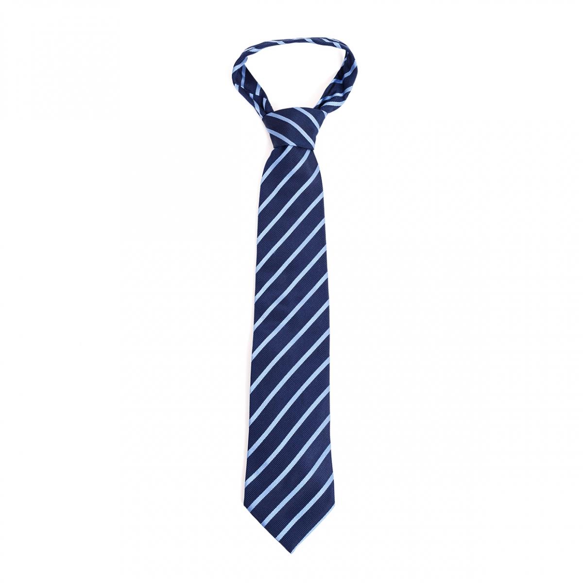 Imagen en la que se ve una corbata
