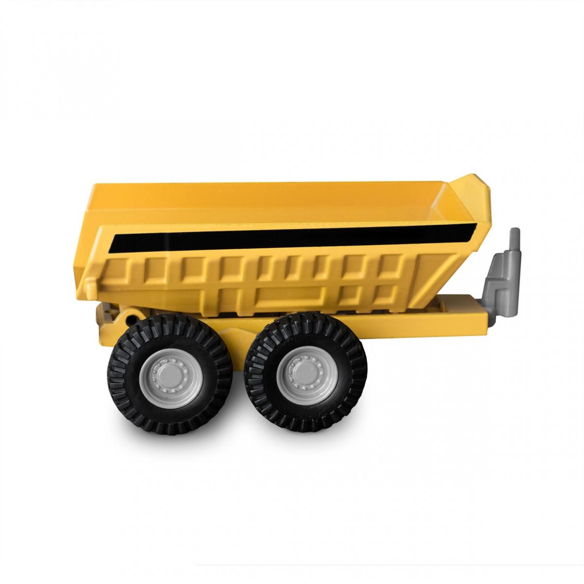 Imagen en la que se ve un remolque de tractor
