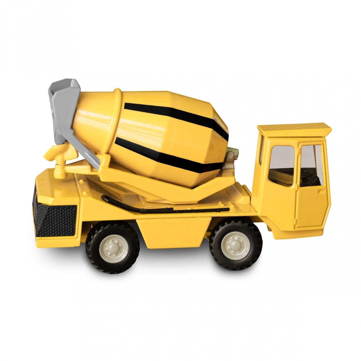Imagen en la que se ve un camión hormigonera