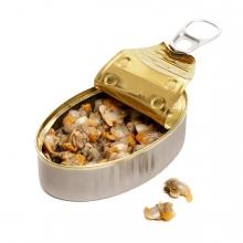 Imagen en la que se ve una lata de berberechos