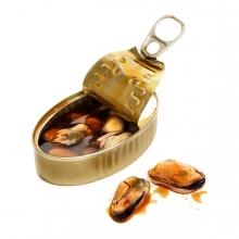 Imagen en la que se ve una lata de mejillones
