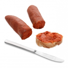 Imagen en la que se ve una tostada untada con sobrasada