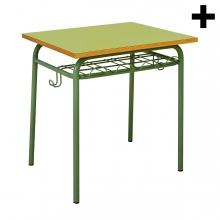 Imagen en la que aparece el plural del concepto mesa de colegio