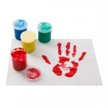 Imagen en la que aparecen varios botes de pintura de dedos