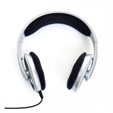 Imagen en la que se ven unos auriculares