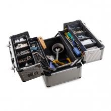 Imagen en la que se ve una caja de herramientas abierta