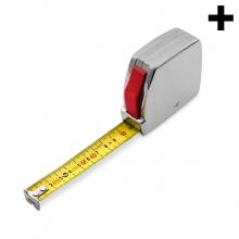Imagen en la que se ve el plural del concepto metro de metal