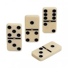 Imagen en la que se ven unas fichas de dominó