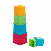 Imagen en la que se ve el juego de cubos apilables