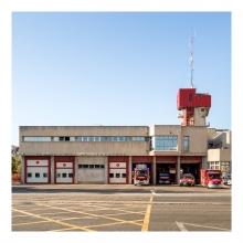 Imagen en la que se ve un parque de bomberos