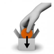 Imagen donde una mano mete una cosa en una caja