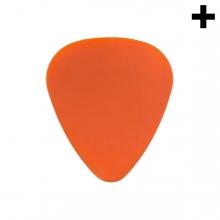 Imagen en la que se ve el plural del concepto púa de guitarra