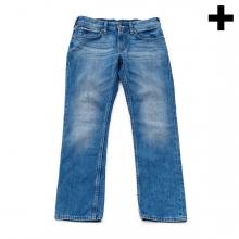 Imagen en la que se ve el plural del concepto pantalón vaquero