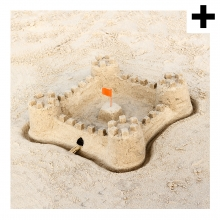 Imagen en la que se ve el plural del concepto castillo de arena