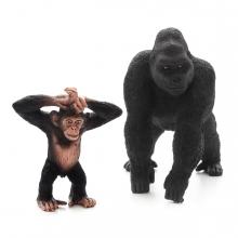 Imagen en la que se ven dos primates: un chimpancé y un gorila