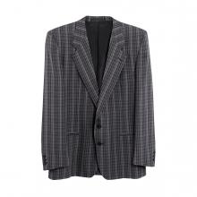 Imagen en la que se ve una chaqueta americana de hombre