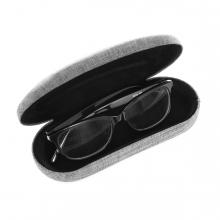Imagen en la que se ve una funda de gafas