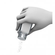 Imagen en la que se ve una mano echando sal